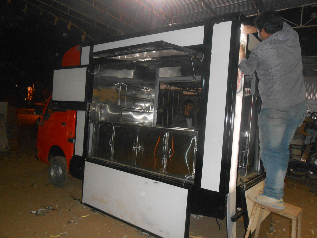 Food Truck Manufacturer Mast Kitchen